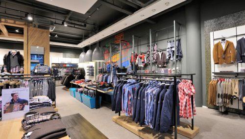 Speksnijder Mode, Veenendaal: Winkelinrichting kledingzaak