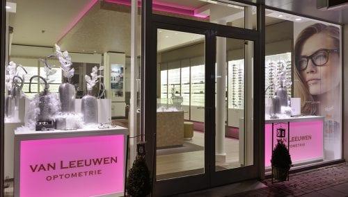 Agencement pour magasins d'optique : Van Leeuwen