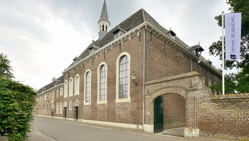 InterMedica Clinic > La conception du projet dans le vieux monastère
