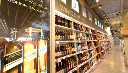 Shop & Fly à l'aéroport d'Eindhoven : design d'intérieur