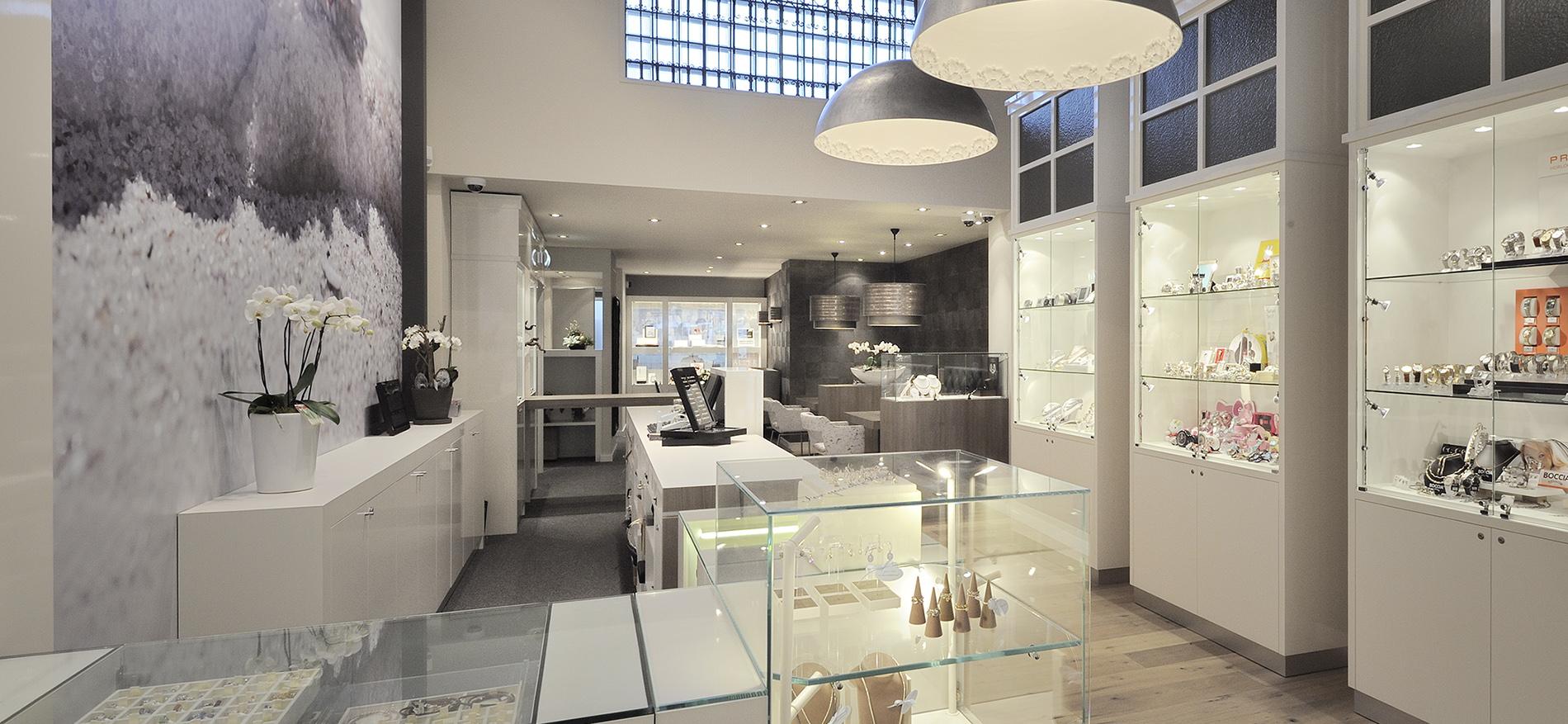 Retail design jewelry