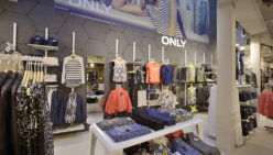 Stout! Jeans – Agencement de Magasin Mode